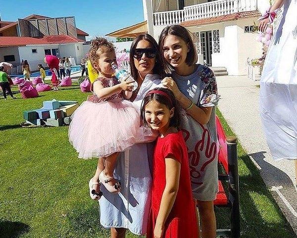 Кети Топурия не позвала на праздник дочери супруга