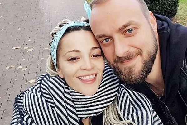 Теона Дольникова не может выйти замуж из-за американского мужа