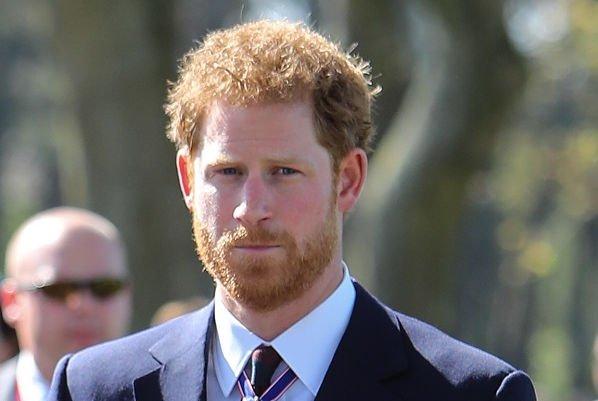 Принц Гарри сам делает покупки на рынке