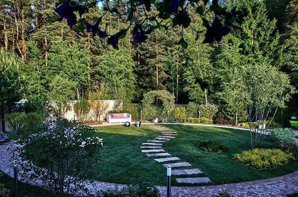 Нюша решила создать райский сад к свадьбе