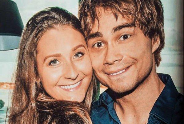 Александр Рыбак познакомился со своей возлюбленной на сайте знакомств