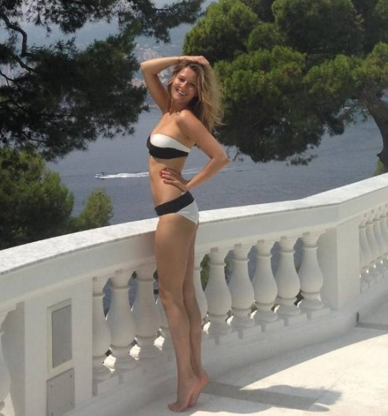 Мария Кожевникова опубликовала фото в бикини и призналась, что похудела на 40 кг