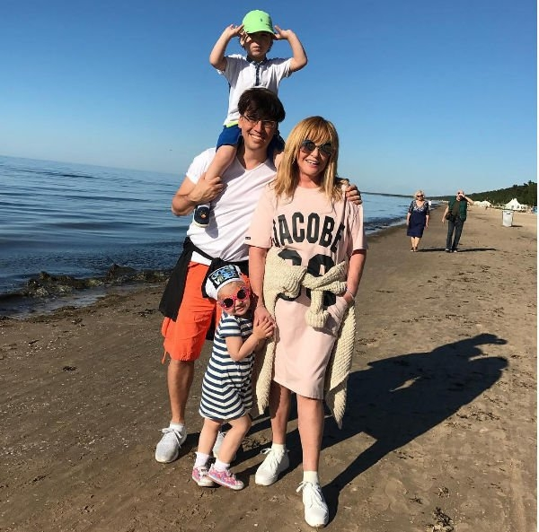 Аллу Пугачеву заподозрили в проведенной операции на ногах