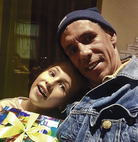 Дочь Алексея Панина: «Неприятно, когда мама меня обнимает»