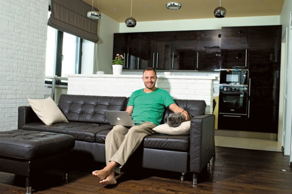 Тимур Соловьев отремонтировал квартиру в стиле отеля Hilton. ФОТО