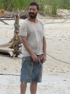Шайя ЛаБаф публично пописал в океан