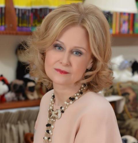 Дарья Донцова готова смириться с изменами мужа