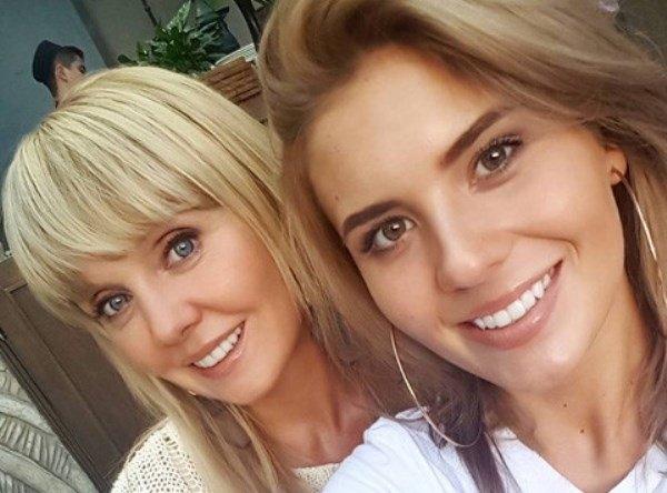 Валерия и её дочь Анна Шульгина поразили публику элегантным и безвкусным образами