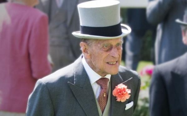 Принц Филипп экстренно госпитализирован