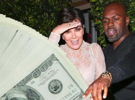 Крис Дженнер вернула любовника деньгами