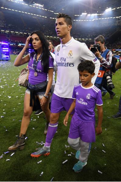Джорджина Родригез поддержала спортсмена на финальном матче Лиги Чемпионов