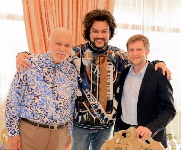 Филипп Киркоров продемонстрировал свой роскошный особняк