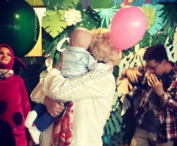 Мама Ксении Собчак не одобряет методов воспитания внука