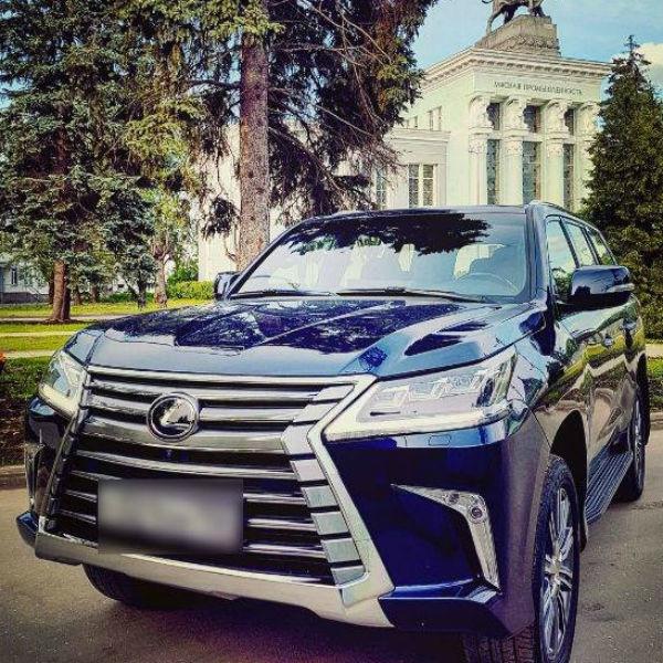 Муж Полины Гагариной похвастался автомобилем за шесть миллионов