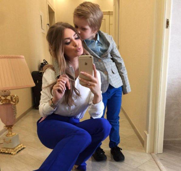 Евгения Феофилактова сообщила об отношениях сына и Антона Гусева