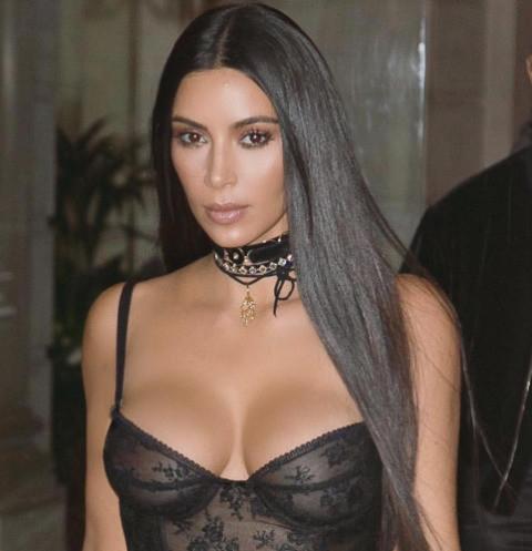Ким Кардашьян выдвинула условия суррогатной матери