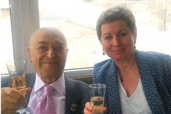 Супруга Владимира Этуша считает такое состоние мужа причиной халатности клиники