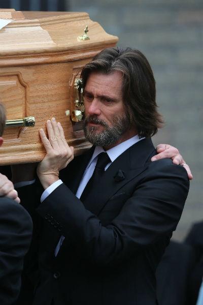 Джим Керри ответит в суде по делу о самоубийстве возлюбленной