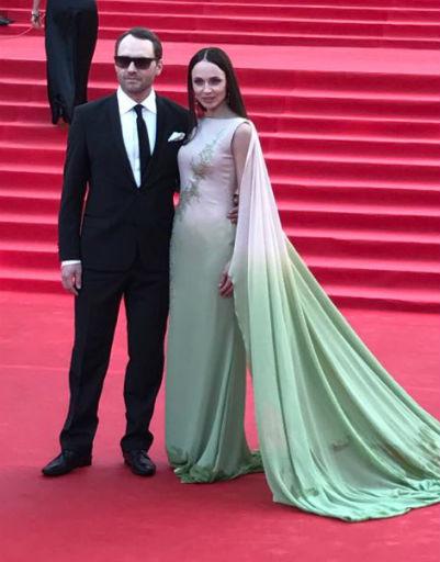 Орнелла Мути показала страсть с Никитой Михалковым на красной дорожке ММКФ