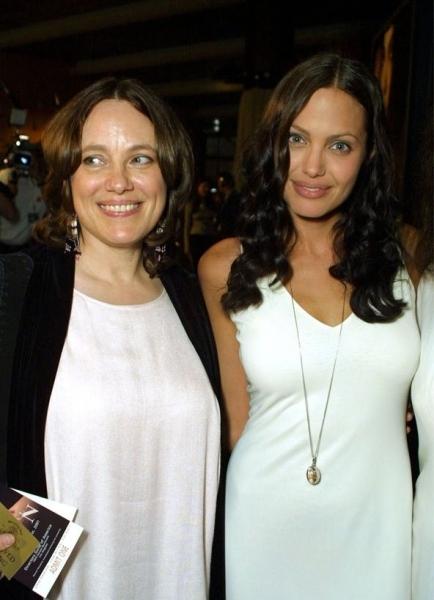 Анджелина Джоли поведала о жизни без Брэда Питта