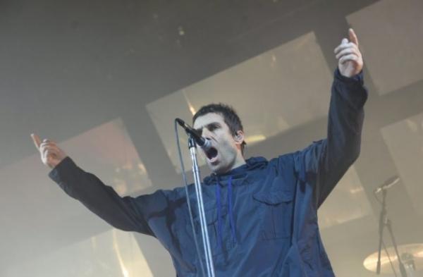 Лиам Галлахер спел в Манчестере в память похибших во время теракта