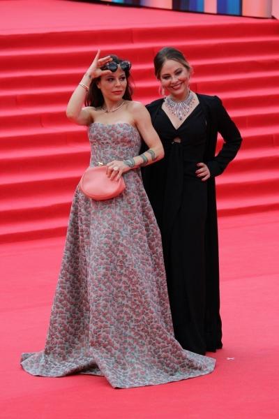 Орнелла Мути пришла на закрытие ММКФ-2017 в компании дочери