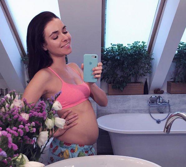 Ирена Понарошку готовится стать мамой во второй раз