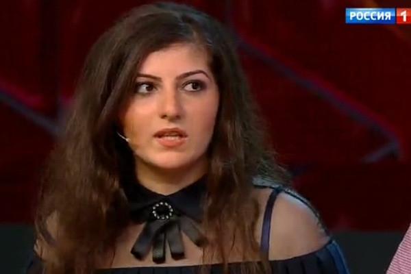 Выпускница и ее мать-чиновница сбежали из Адыгеи после скандала с медалью
