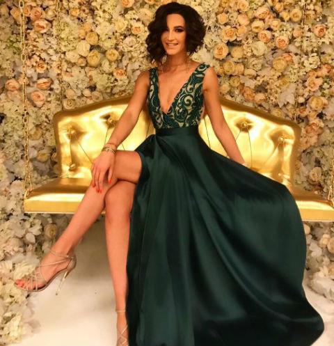 Ольга Бузова зажгла на свадьбе в сексуальном наряде