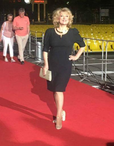 Аглая Тарасова блеснула в смелом образе на «Кинотавре»