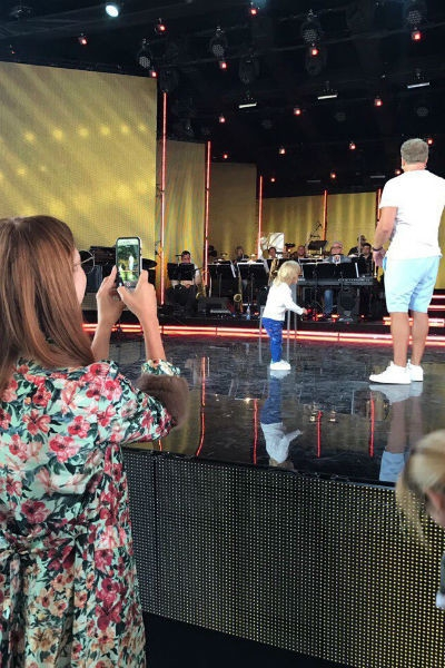 Пресняков и Подольская впервые вывели сына на сцену