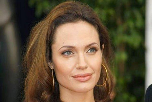 Анджелина Джоли борется с серьезным заболеванием после развода с Брэдом Питтом