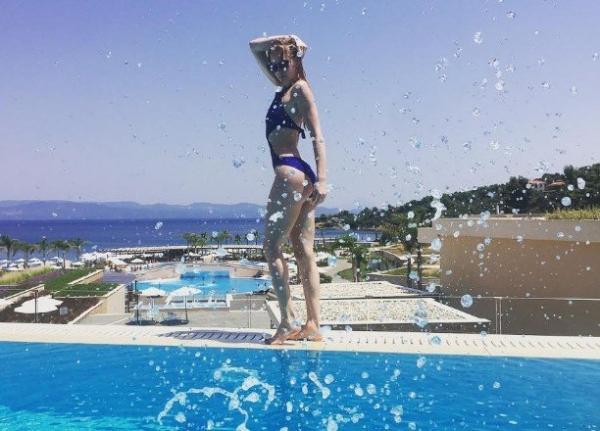 Светлана Ходченкова удивила Грецию дряблым телом