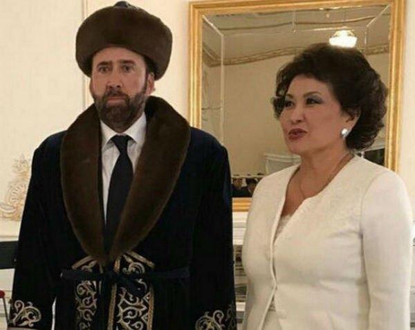 Николас Кейдж примерил казахский народный костюм