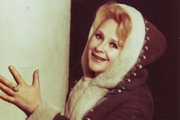 Умерла исполнительница хита «Черный кот» Тамара Миансарова