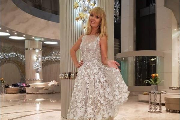 Валерия поразила прозрачным платьем