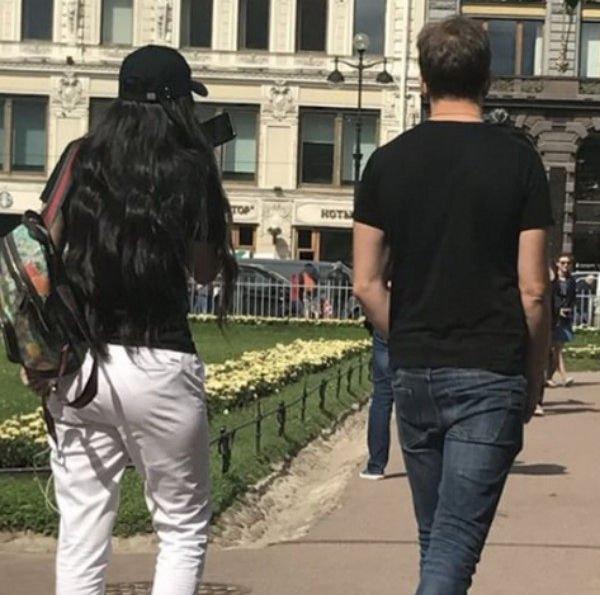 Антон Гусев и Виктория Романец вместе прогулялись по Санкт-Петербургу