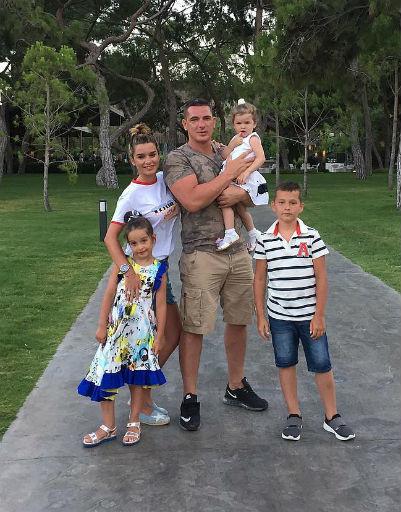 Бородина и Пынзарь показали жаркие фото из отпуска в Турции