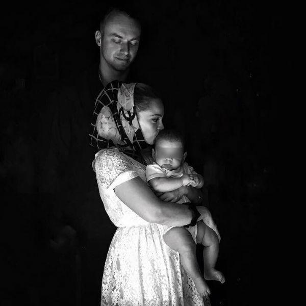 Теона Дольникова и Максим Щеглов крестили ребенка заграницей
