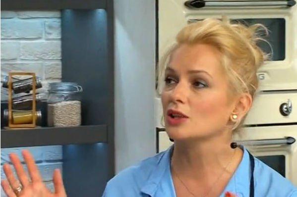 Мария Порошина отправляет старшую дочь за советами к отцу