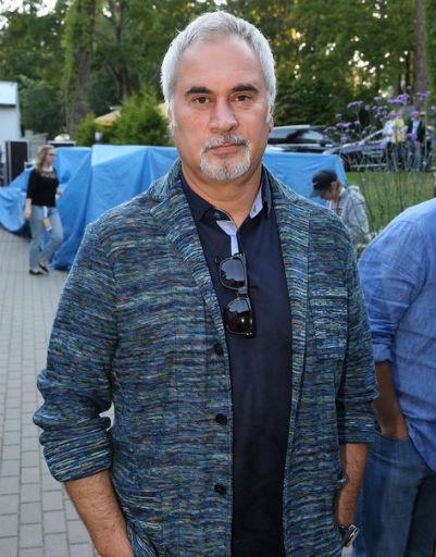 Александр Ревва изменился до неузнаваемости на закрытии фестиваля Лаймы Вайкуле