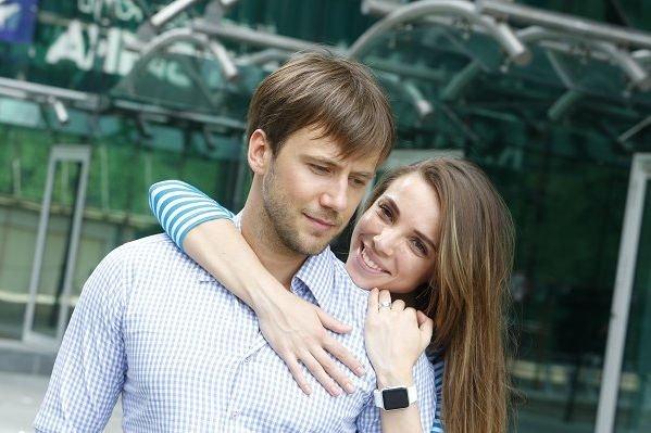 Иван Жидков и его возлюбленная объявили об интересном положении