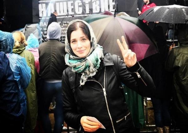 Юлия Снигирь опубликовала снимок в компании Ходченковой и Чиповской
