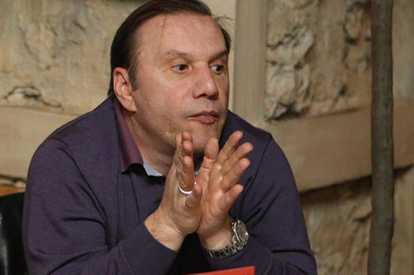 Виктор Батурин хочет отсудить у сестры долг