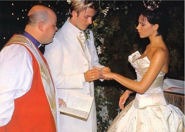 Дэвид Бекхэм оставил трогательное поздравление жене на годовщину свадьбы