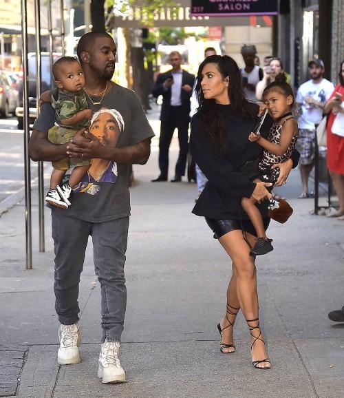 Суррогатная мама ребенка Ким Кардашьян и Каньэ Веста на третьем месяце беременности