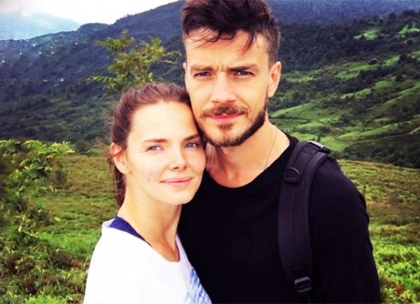 Максим Матвеев выложил в сеть редкое селфи с Елизаветой Боярской
