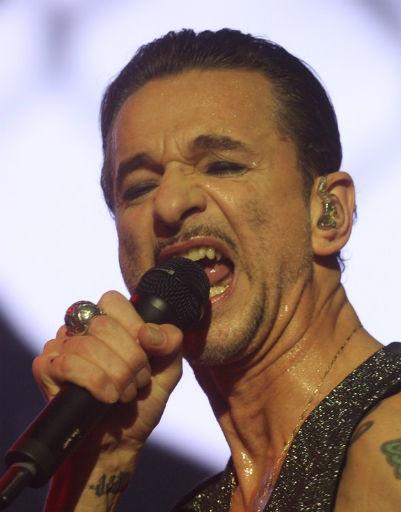 Лидер Depeche Mode Дейв Гаан зажег многотысячную толпу