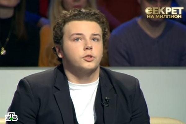 Алексей Нилов отказывается принять сына в своем доме