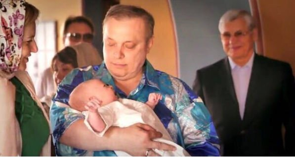 Андрею Разину предложили стать крестным отцом
